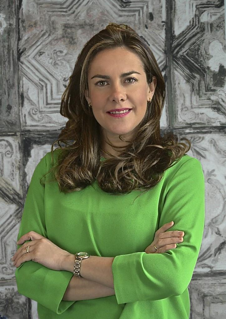 LAURA GOBERNADO